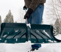 Avoid Injuries With These Snow Shoveling Tips